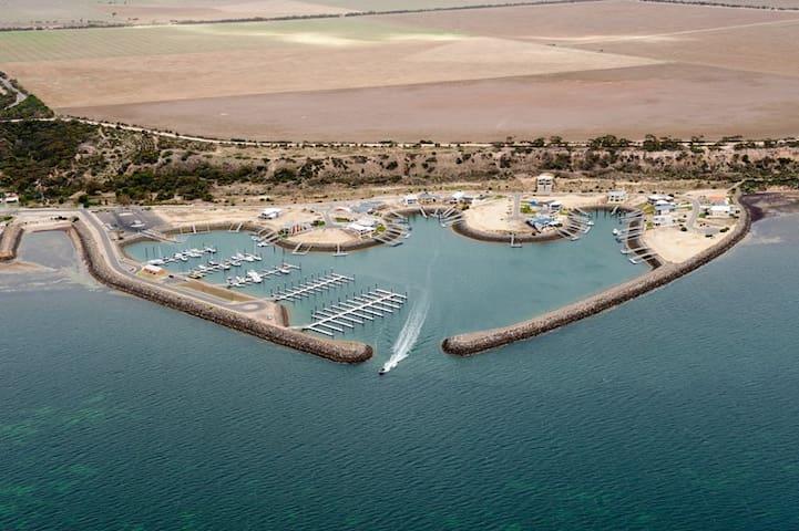 Port Vincent Paradise