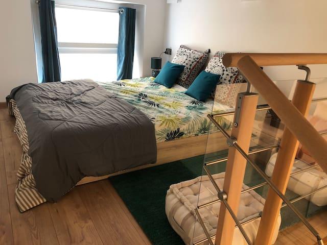 Chambre très lumineuse et très confortable