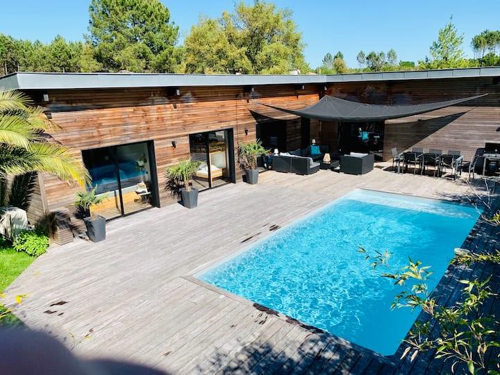 Villa luxueuse et moderne, clim, piscine chauffée