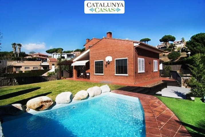 Seaside 3-bedroom villa in Caldes Estrach, only 1,000m to the beach - Barcelona Region - Villa