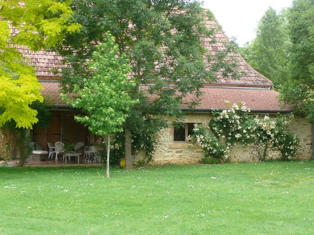 Charming Rural Gite - Pool Near Pau - Arricau-Bordes - Huis