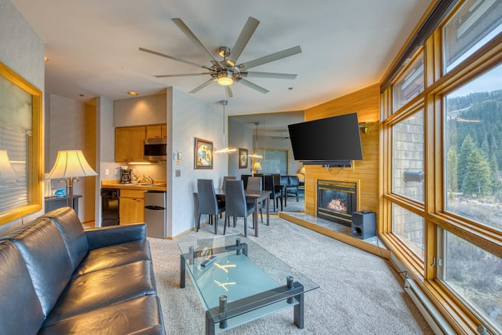 Magnificent Condo w/ Mountain & Ski Views, Easy Ski Access, & a Jetted Tub!