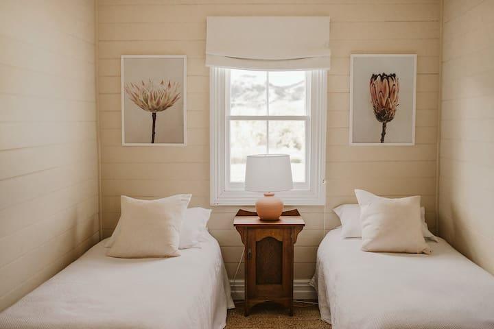 Upstairs Twin Single Bedroom