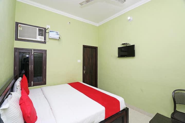 Standard Room- Hotel Blue Star