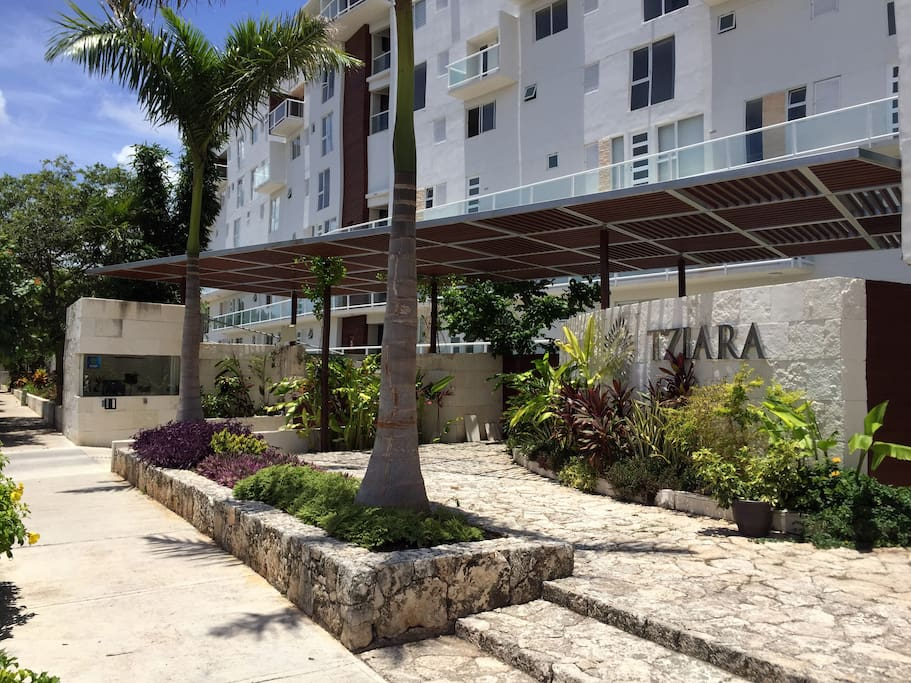 Cancun Condo near the beach entrance