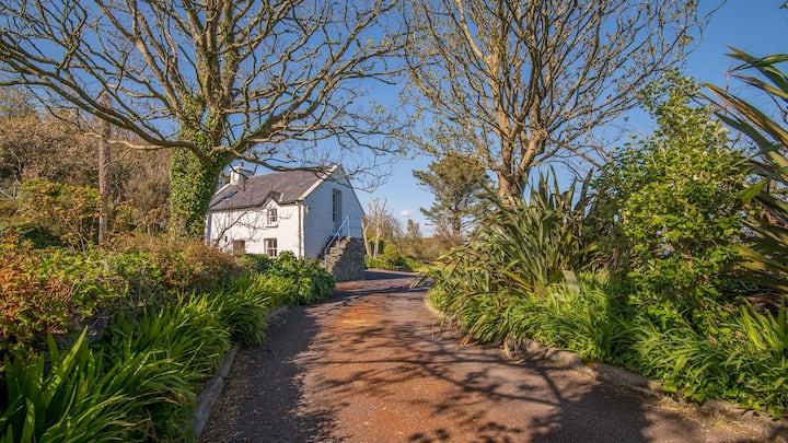 Rural Waterside Cottage with Wonderful Views