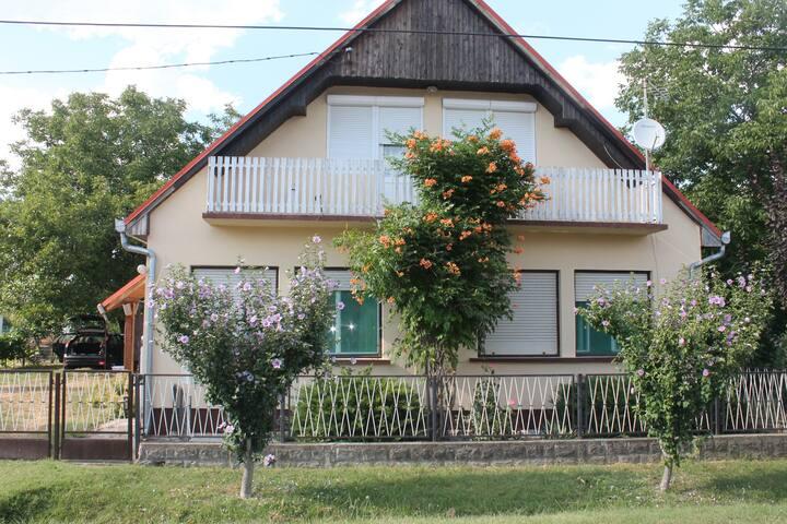 Nice Guesthouse at Balatonlake