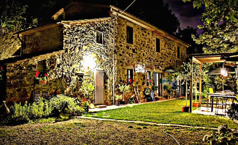 1861 Stone Farmhouse in Tuscany - Marliana