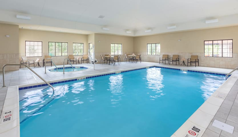 Free Breakfast Buffet. Pool & Hot Tub Access. Great Location!