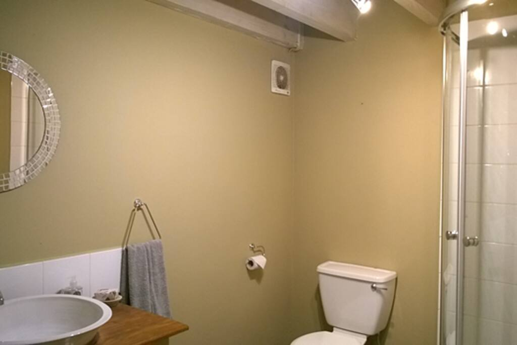 Unit 2 - Bathroom