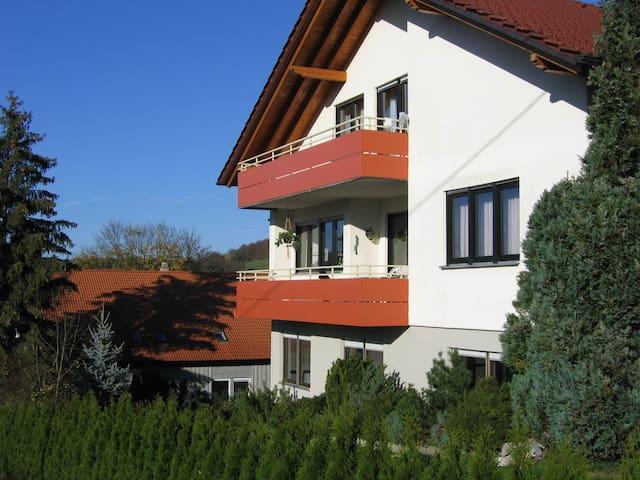 Gemütliche 3-Zimmer Ferienwohnung in der Natur - Lichtenstein - Lejlighed