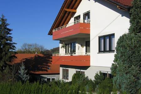 Gemütliche 3-Zimmer Ferienwohnung in der Natur - Lichtenstein