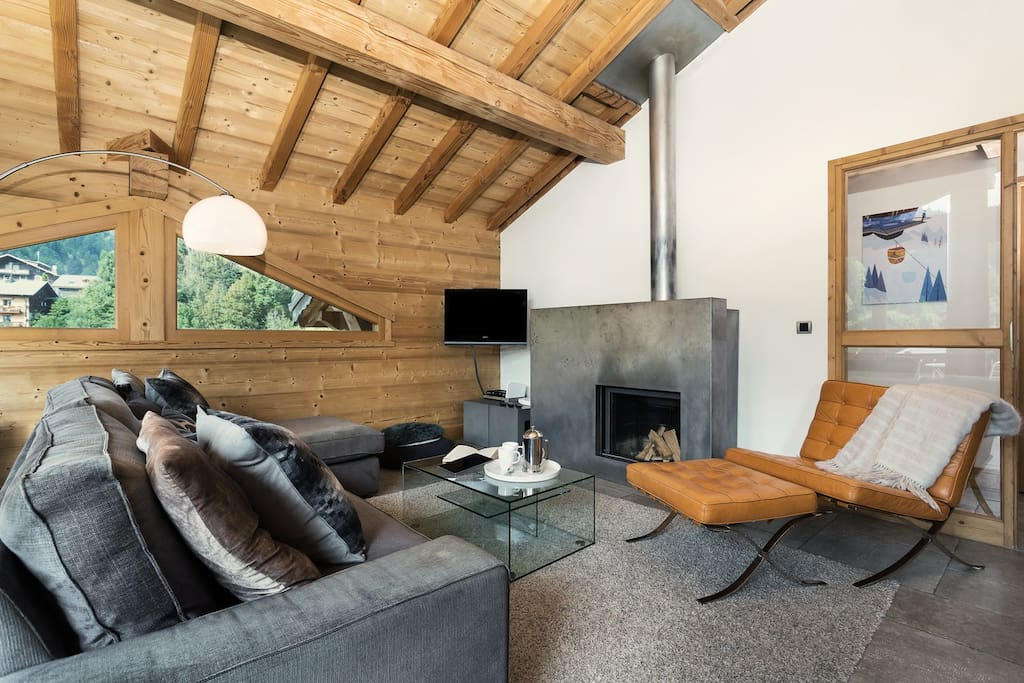 • Living area with designer STUV fireplace •