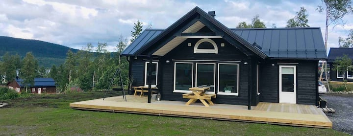Beautiful cabin in Huså close to nature