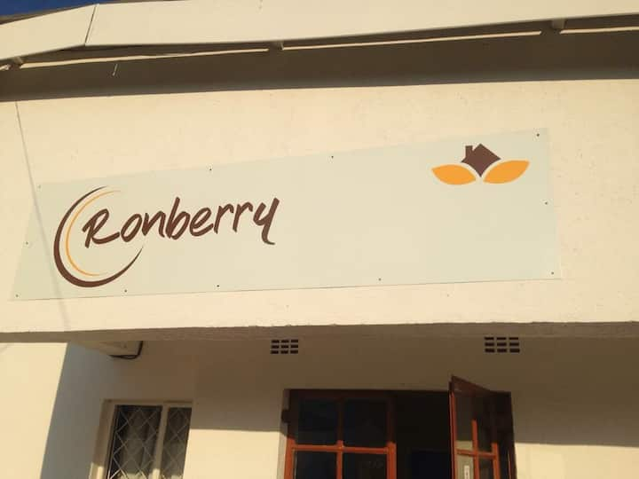Ronberry Guesthouse