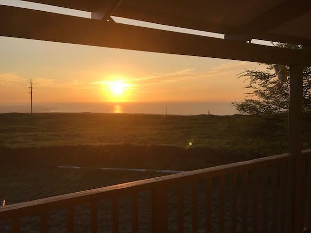 Stunning Ocean View Studio - Waimea - House