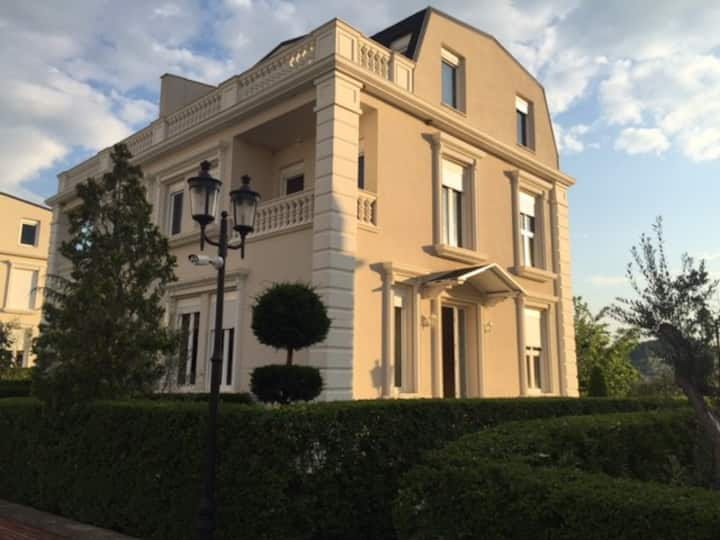 White House Residence, Tirana East-Gate