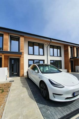 2 Bed Eco Home 5 minute walk from Newquay Beaches