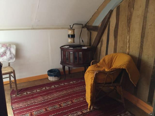 Chambre avec lit en 120 de large