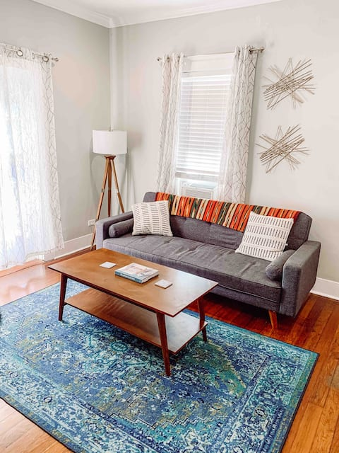 Mid-Century Stylish | Near DT, ♛Queen Bed, Balcony