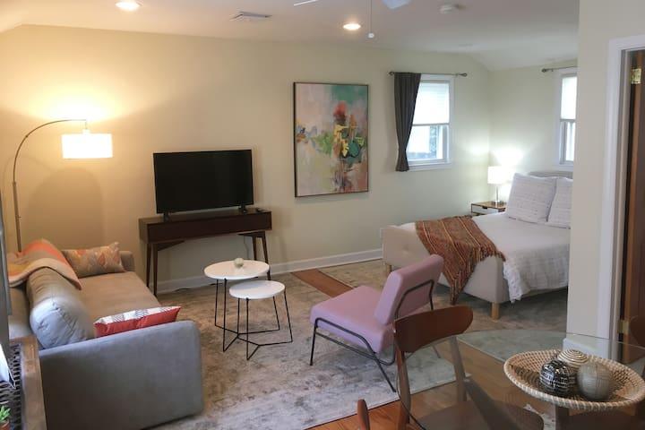 Modern Cozy Beach Apartment