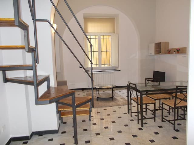 JUST RENOVATED STUDIO FLAT IN THE CITY CENTER