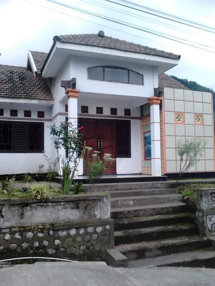 Homestay Murah dan nyaman 3 kamar