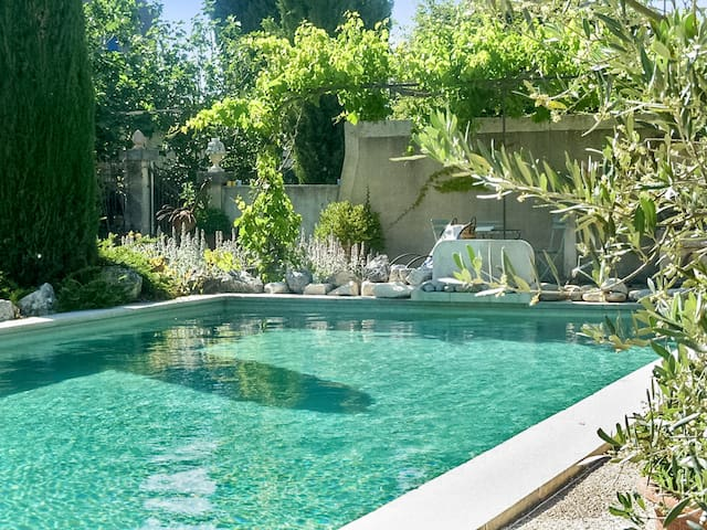 Amazing house with pool access