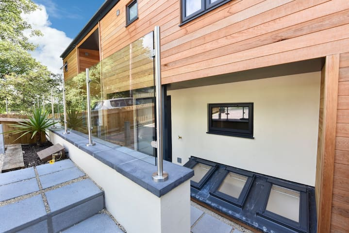 Brand New Luxury Accommodation - Frome - Casa