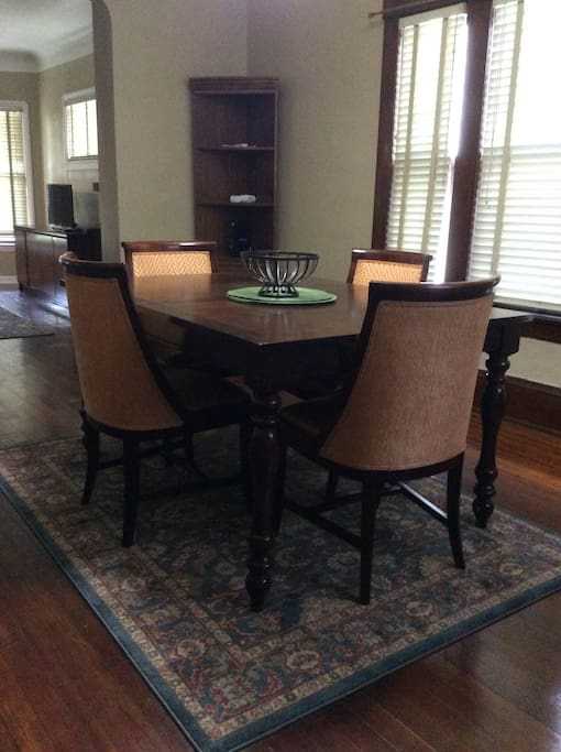 Formal Dining Room-Seats up to 4!
