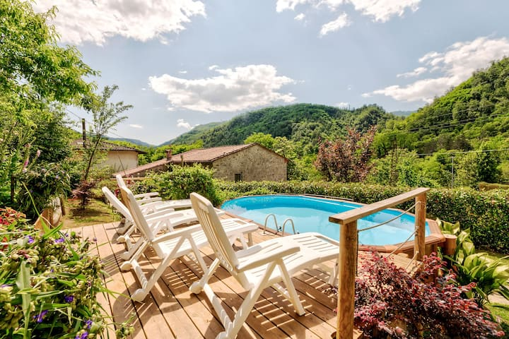Serene Holiday Home in Bagni di Lucca with Private Pool