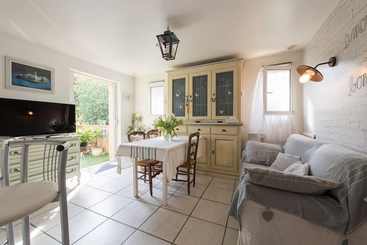 Chambre chaleureuse à Saint-Tropez - Saint-Tropez - Lägenhet