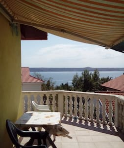 Nice apartment with sea view - Jasenice