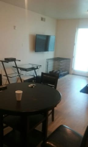 1bd steps from THE COLLECTION MALL - Oxnard - Appartement
