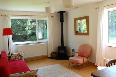 Tranquil spacious annexe with beautiful walks