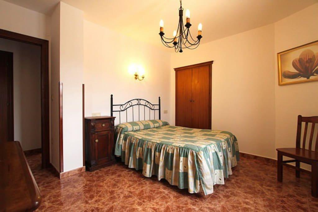 Habitacion de matrimonio con vistas a los Picos de Europa