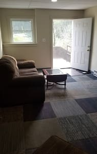 Fresh and Charming Apartment Conveniently Located