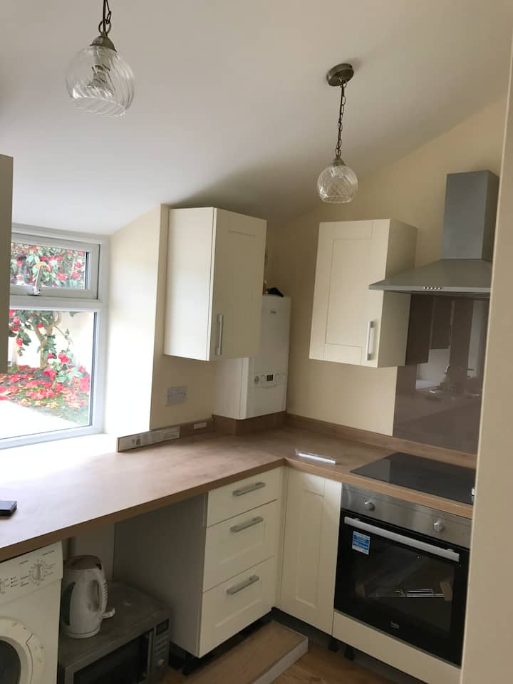 2 bedroom house in Aberdare close to Cardiff