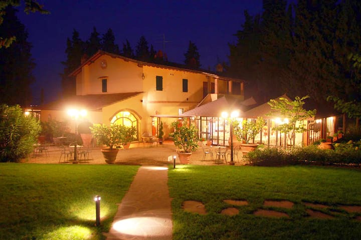 Schönes Ferienhaus in Florenz mit Swimmingpool
