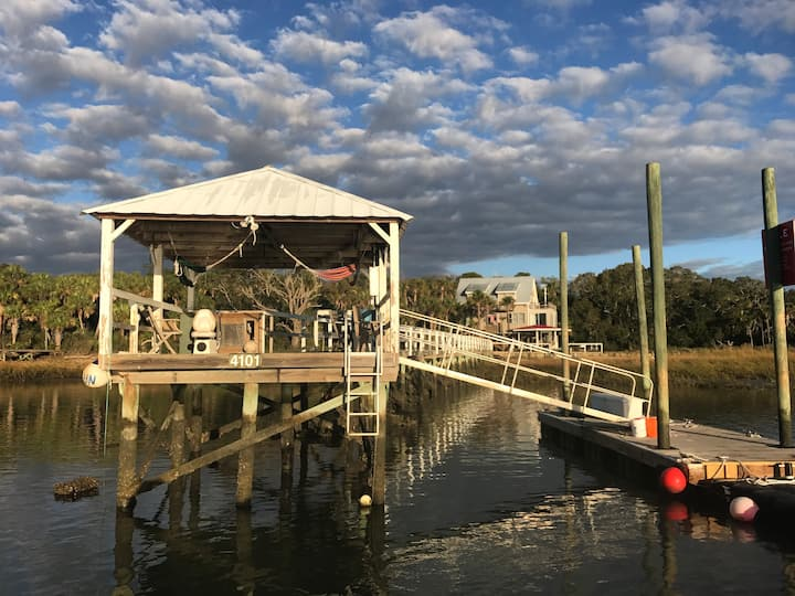 Charleston Fishing Lodge