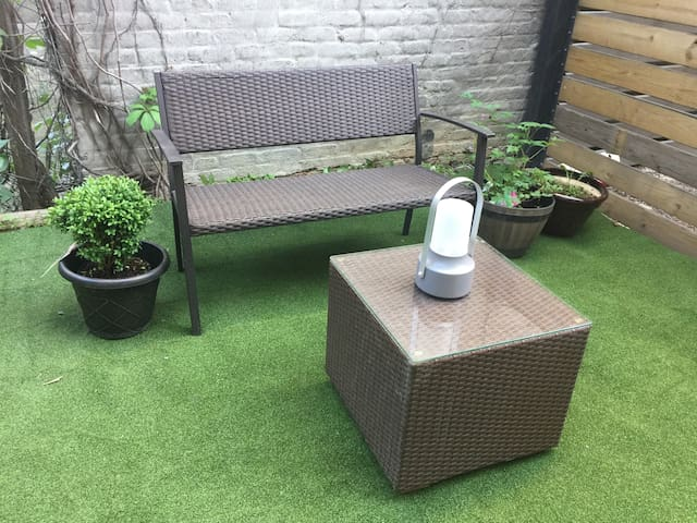 Luxury Garden Escape in Trendy Williamsburg 1 BR