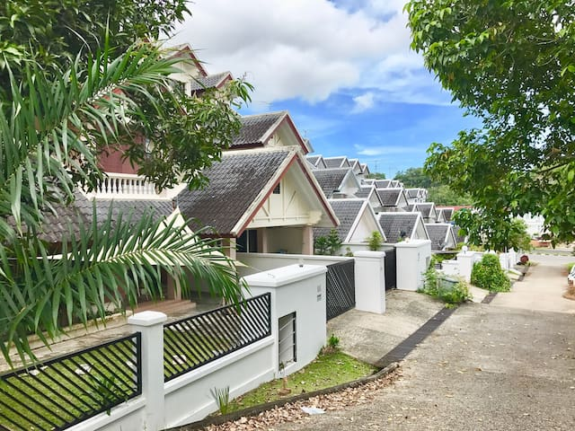 Spacious home in quiet neighborhood - Bandar Seri Begawan