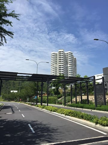 Green Beverly Hills - Nilai - Apto. en complejo residencial