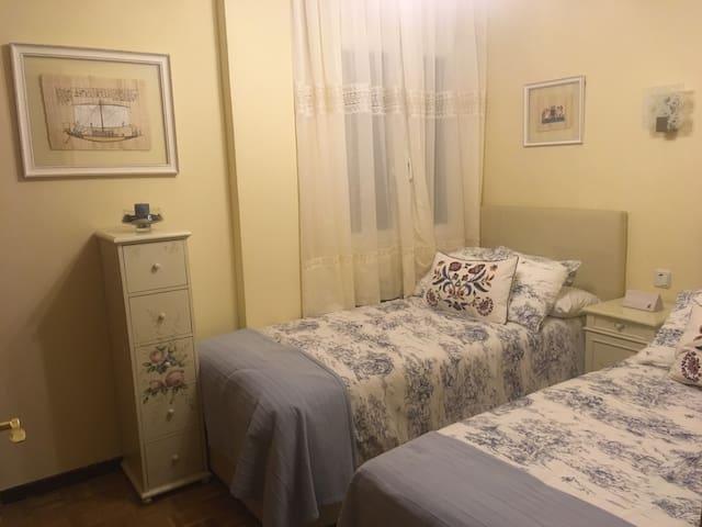 Habitación y baño privados - 2 camas