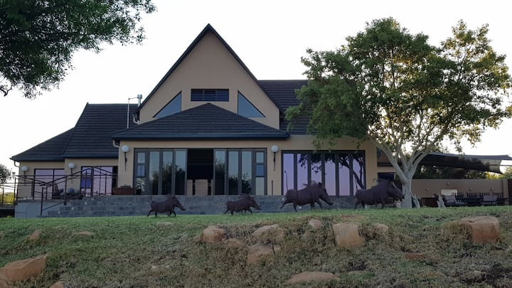 Featherstone Lodge A Stunning Home on the Vaal Dam
