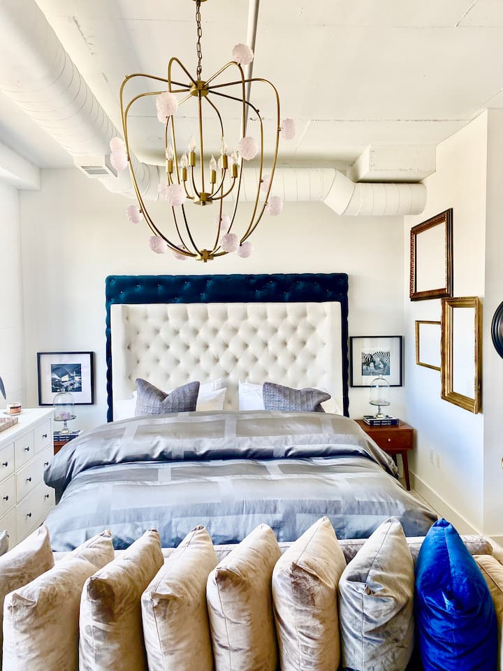 Chic stay in the heart of Atlanta downtown