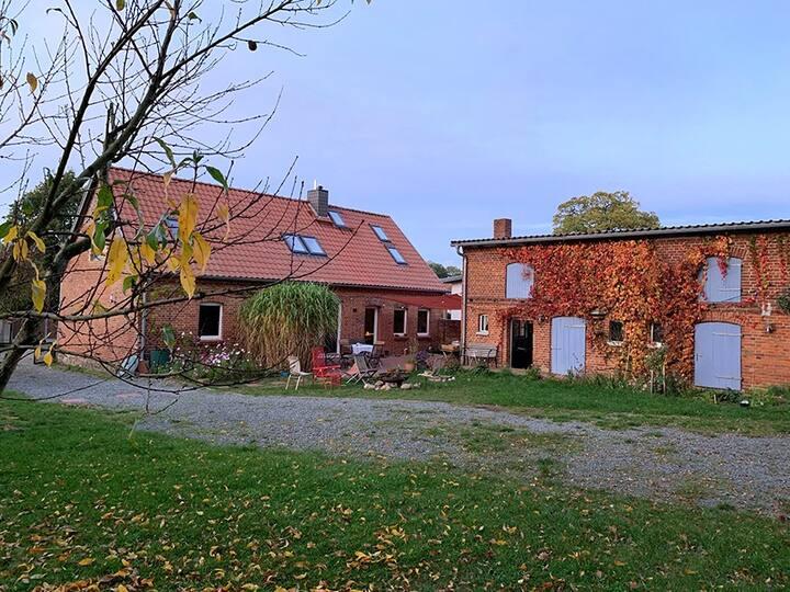 Stilvolles Landhaus, Bauerngarten, Wäldchen&Remise