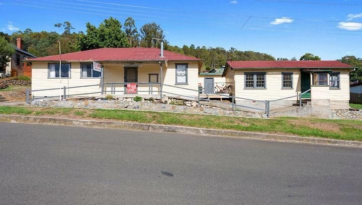 Return to Sender Lodge - Budget Accommodation