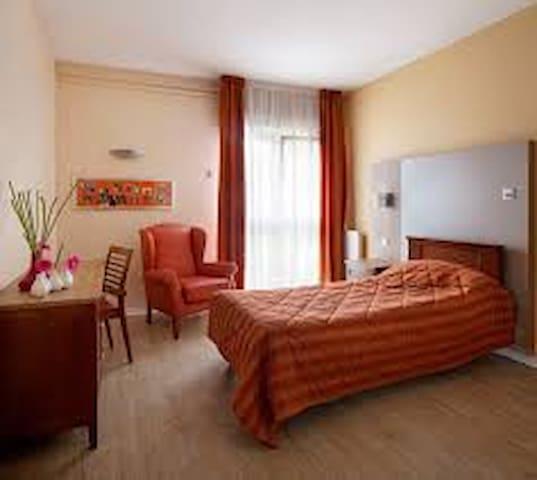 1 chambre proche Le Mans - Saint-Mars-la-Brière - Casa