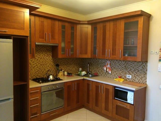 Уютная, просторная квартира для жизни и отдыха! - Vyshhorod - Apartamento